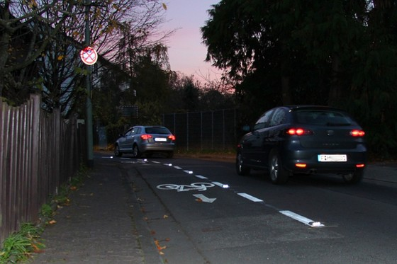 Bessere Sicht bei schlechtem Wetter-bessere Markierung der Strassen mit Spots
