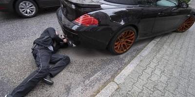 STOPPT DIE LÄRMBELÄSTIGUNG DURCH AUTOPOSER IN 5033 BUCHS
