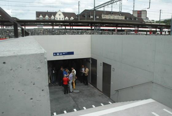 Bahnhofunterführung West: Eine Rampe würde das Leben erleichtern!