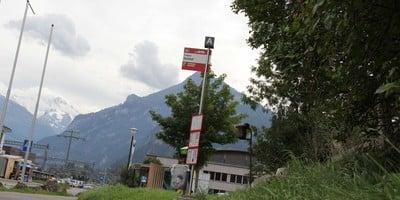Gedeckte Haltestelle für AFA-Bus nach Adelboden