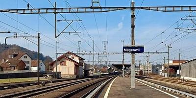 Die S42 muss in Mägenwil anhalten.